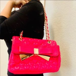 Betsey Johnson Pink & Gold Bow 💖Quilted